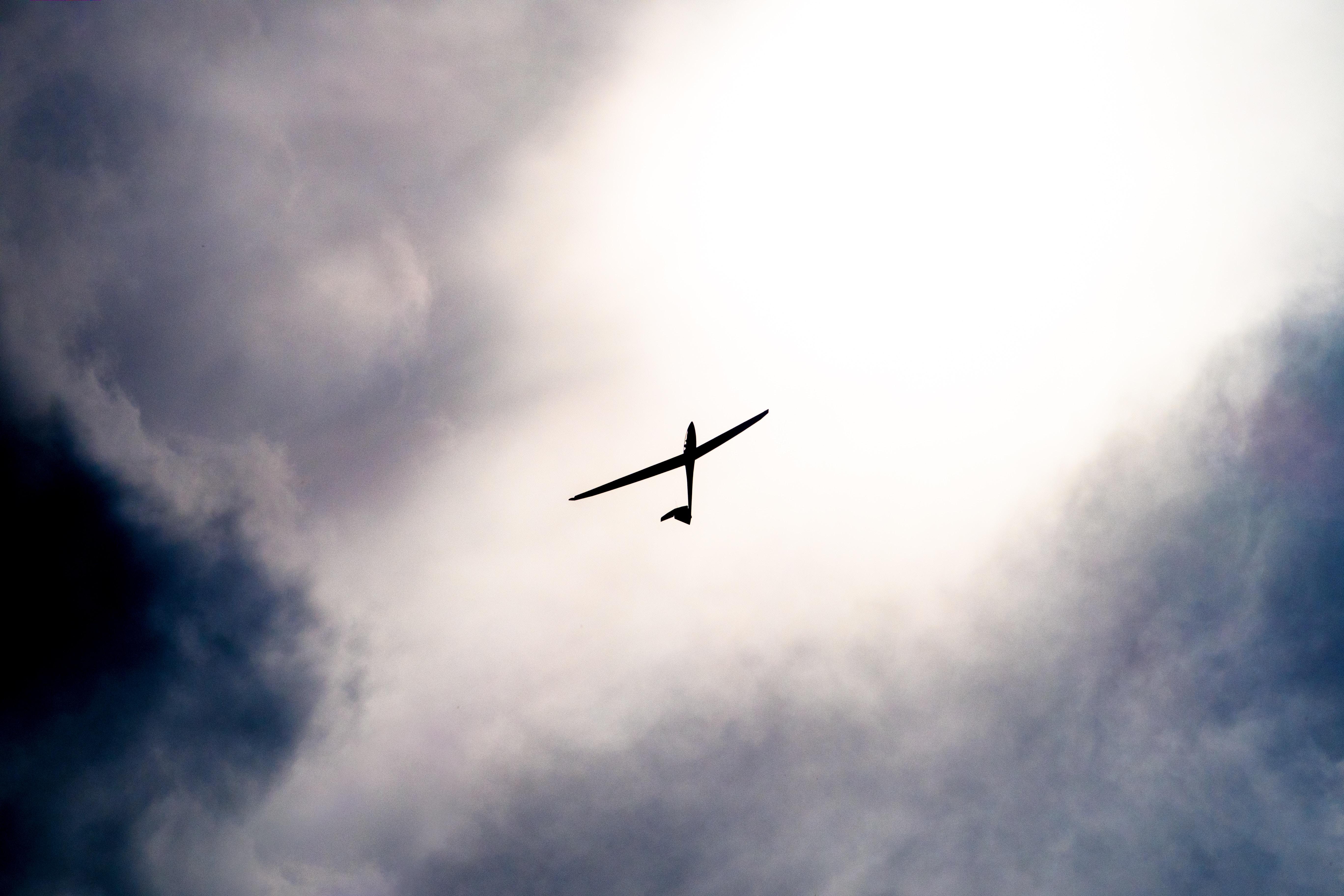 Avion solaire – Après le Solar Impulse, les évolutions d'un hybride propre du ciel : Eraole