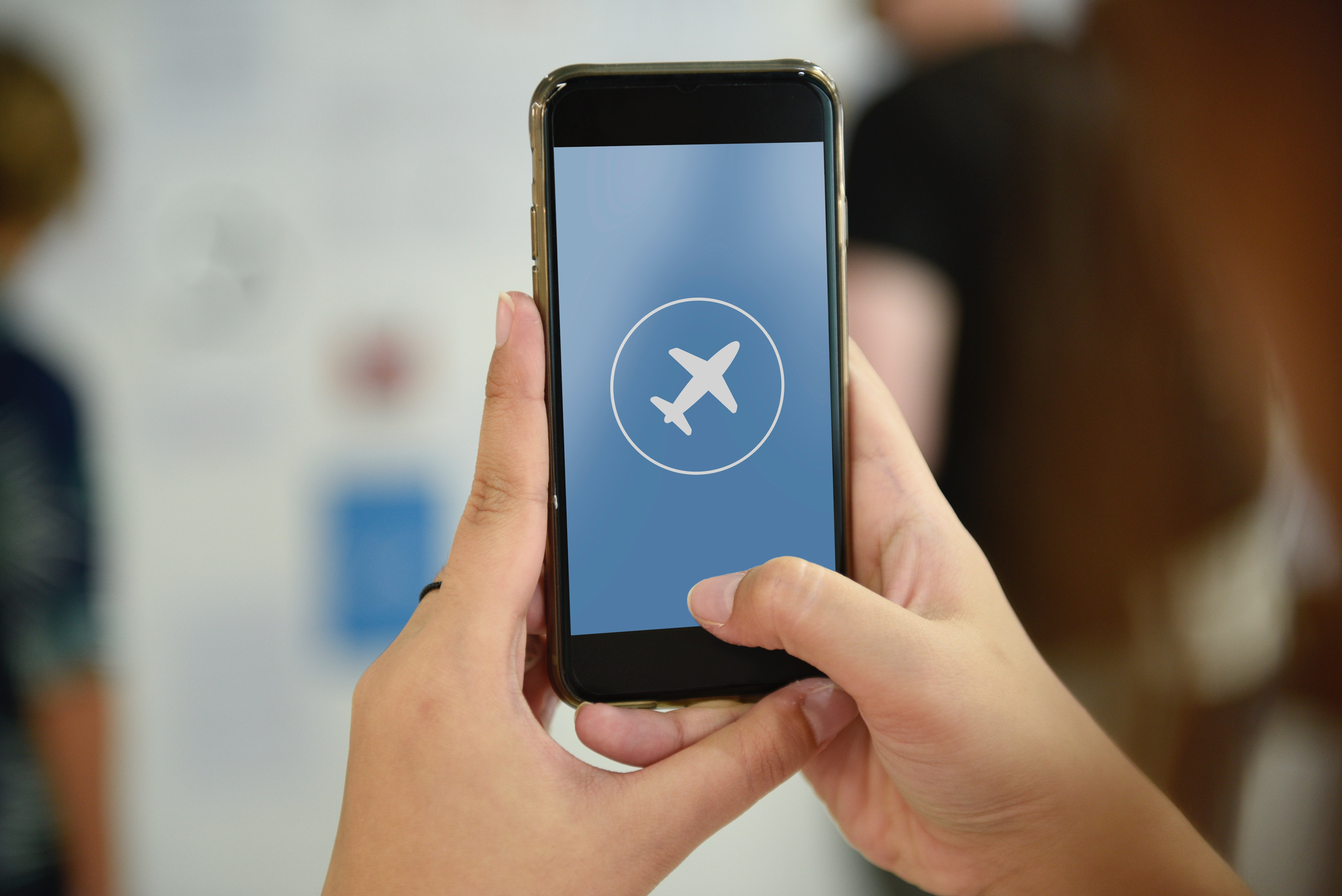 Internet à bord : développements et perspectives pour les compagnies aériennes