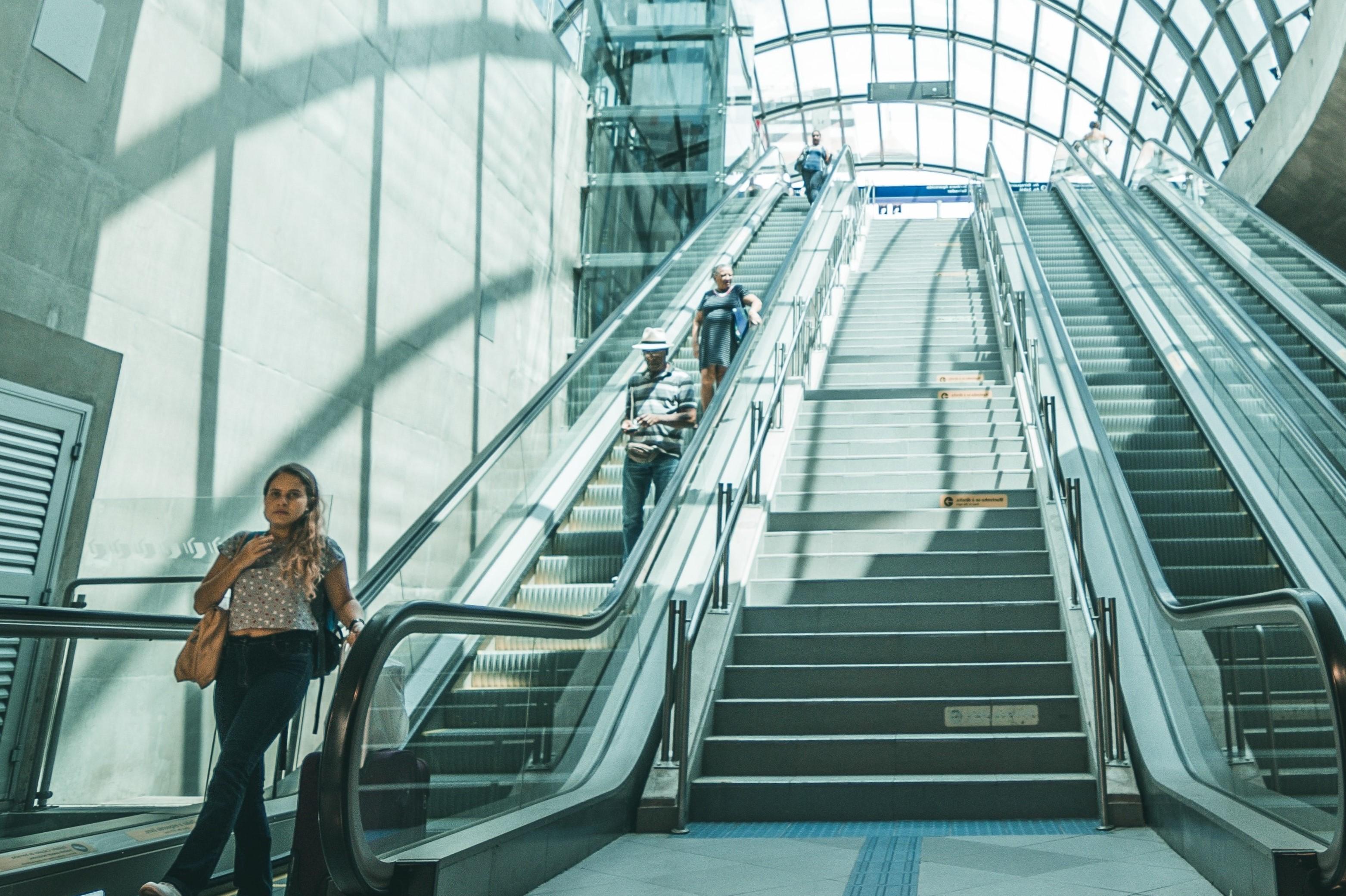 Faire vivre aux voyageurs une expérience différenciante à horizon 2025 : quelle trajectoire de services ?