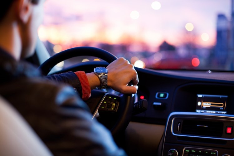 What user experience for the connected car ?