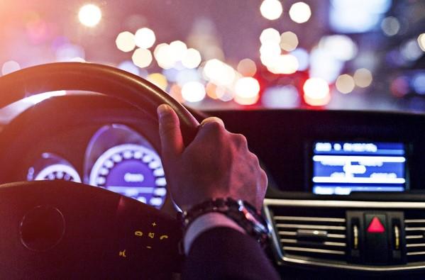 Uber, le leader du VTC se positionne sur le secteur des services financiers