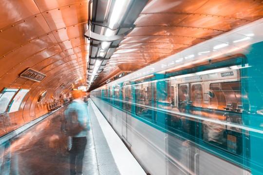 Les champions du nudge : comment RATP et SNCF impactent vos comportements sans que vous vous en rendiez compte