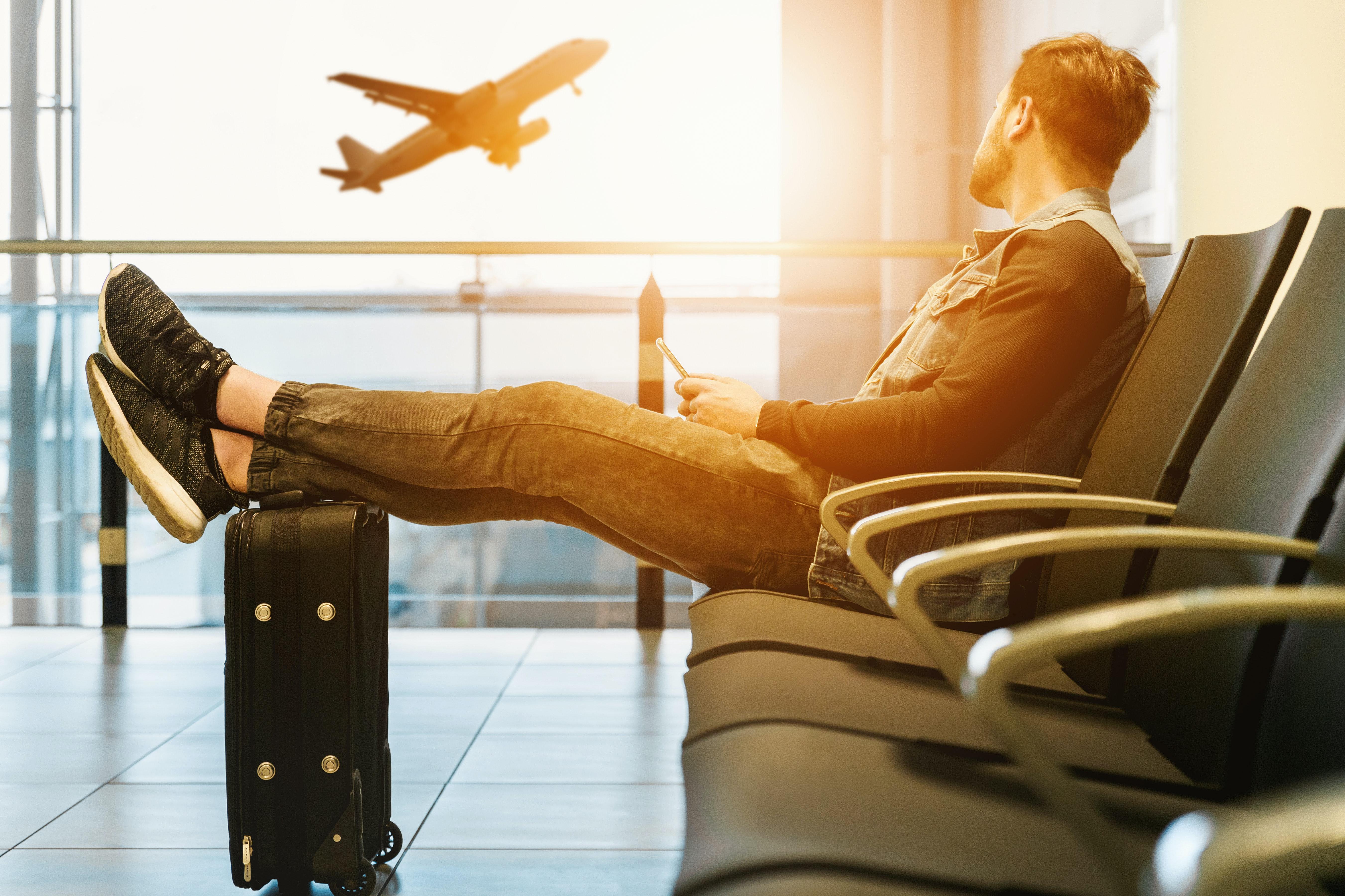 Comment les compagnies aériennes et les aéroports s'organisent-ils pour intégrer les mesures sanitaires liées au Covid-19 ?